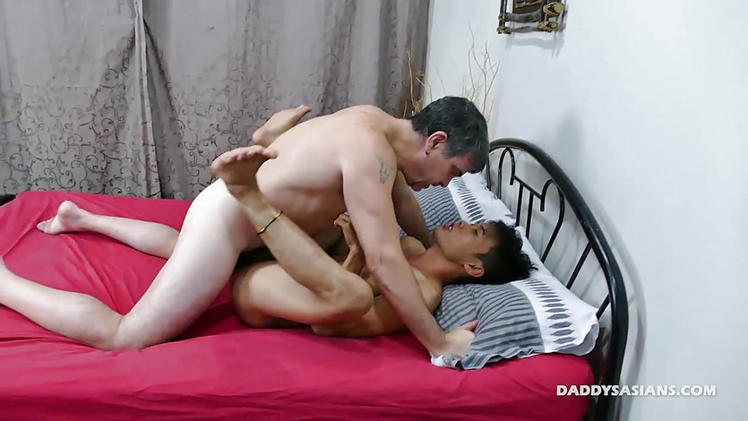 Daddy and Teen Andrew Barebacking