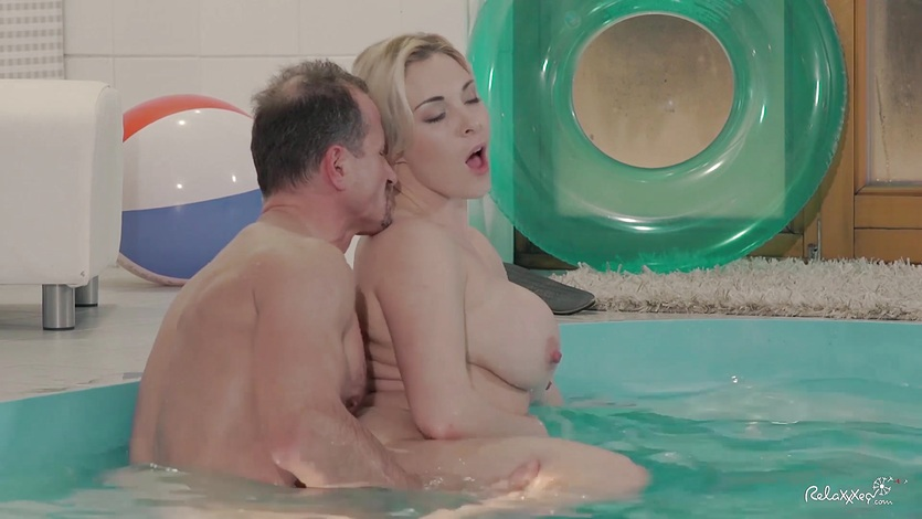 RELAXXXED - Busty British babe enjoys steamy pool sex
