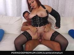 SCAMBISTI MATURI - Italian BBW mature ass fucked deep
