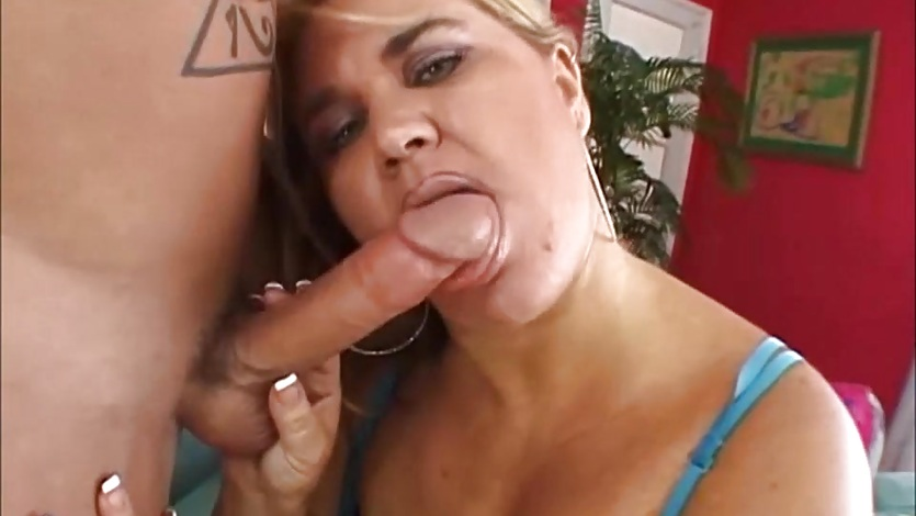 image Jelli bean gets her hairy pussy fucked