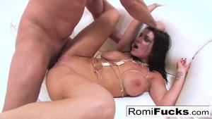 Gonzo Sex With Porno Star Rumi Rain