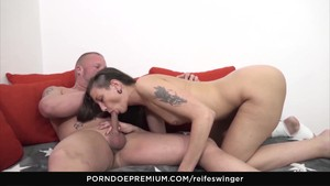 Reife Swinger - Hardcore Anal Doggy Style With Swingers
