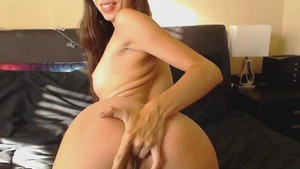 Hot Pussy Masturbation By This Gorgeous Babe