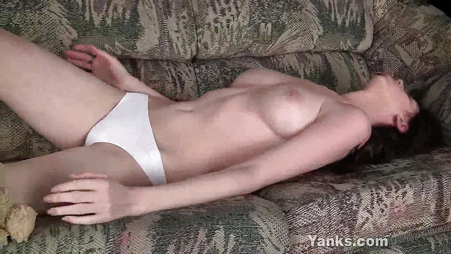 Dickgirl fucks a girl hentai