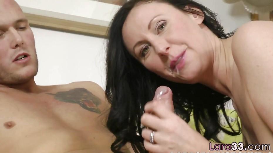 uk Mature female oral