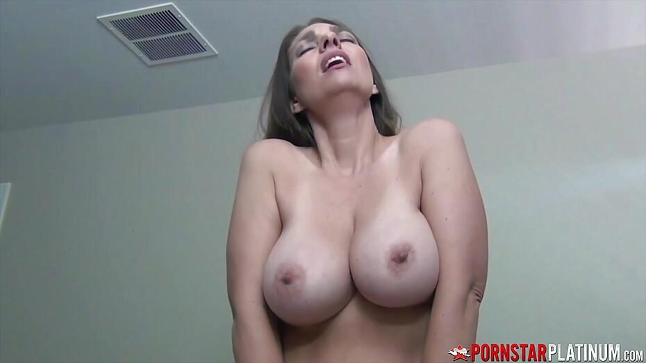 Amanda recommend Amateur bi 3some
